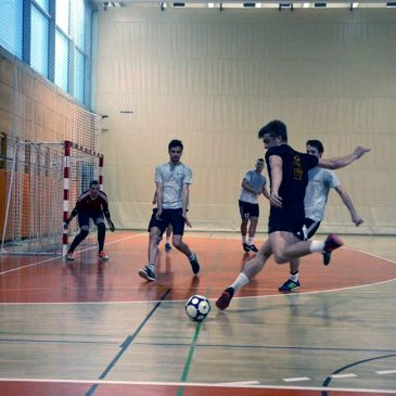 Spremljaj Dostop.si študentsko futsal ligo TUKAJ