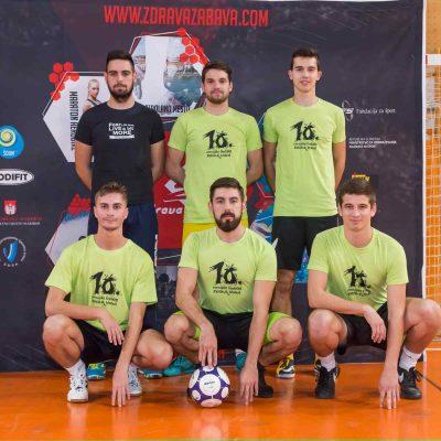 KOŠ KAOS - Mi smo malo KOŠ-KAOS, ekipa simpatizerjev nogometa iz Ormoža in okolice, katere vodi predvsem želja po druženju, rekreaciji in zabavi.